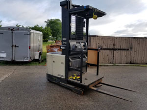 Crown SP3020-30 Order Picker Forklift with Charger